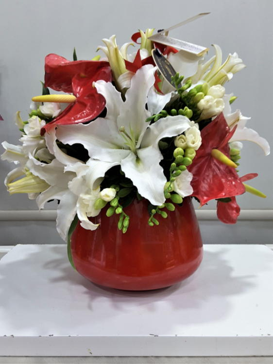 Beyaz Lilyum & Kırmızı Antoryum Uyumu